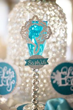 Emma's Glamorous sparkly Frozen party | CatchMyParty.com
