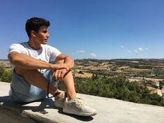 "Marc Márquez di Instagram ""Vuelta a la rutina! / Back to routine! 🏠 #home #cervera @asicstiger"" Marc Marquez, Dear Future Husband, Motogp, My People, Pilot, Hot Guys, Honda, Valentino, Mens Sunglasses"