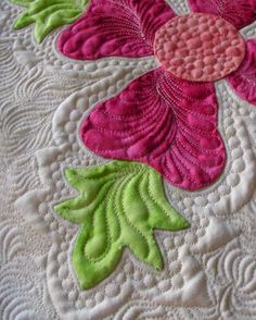 Quilting circles by Ivory Spring ... Great ideas, and includes ideas on several ways you can use circles in your FMQing - I will DEFINITELY be using the things I've learned in this post in my future projects!