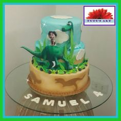 Arlo spot good dinosaur cake drip cake dino party Pinterest