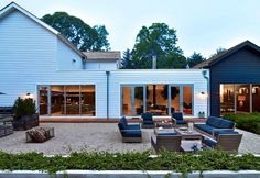 Black Barn in East Hampton / Mark Zeff