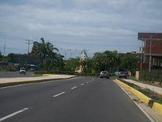 MIRANDA, municipio Brión. Higuerote. Virgen del Carmen al final de la recta de Higuerote