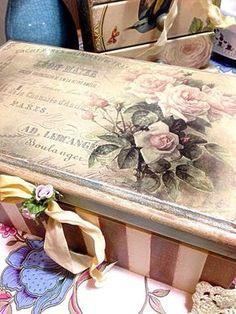 Photo Decoupage Furniture, Decoupage Box, Diy Furniture Projects, Hand Painted Furniture, Paint Furniture, Diy Painting, Painting On Wood, Tole Painting, Shabby Chic Boxes