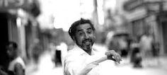 Chokri Ben Chikha : acteur - theatermaker - choreograaf. Tunesische ouders, geboren in Blankenberge, gestudeerd in Gent. Union Suspecte & Action Zoo Humain.