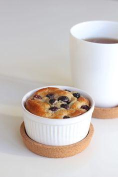 Ontbijttaartjes met banaan en blauwe bessen #koolhydraatarm - ENJOY! The Good Life Keto Recipes, Vegetarian Recipes, Healthy Recipes, Food Inspiration, Healthy Snacks, Food And Drink, Low Carb, Yummy Food, Eat