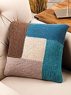 Geometric Pillow (Knit and Crochet Now! Season Episode Geometric Pillow (Knit and Crochet Now! Season Episode Geometric Pillow (Knit and Crochet Now! Season Episode Geometric Pillow (Knit a. Knitted Cushion Covers, Knitted Cushions, Loom Knitting, Knitting Patterns Free, Crochet Patterns, Free Pattern, Free Knitting, Knit And Crochet Now, Crochet Home