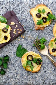Kartoffel-Morchel-Pizzette mit Wildkräutern und Vanille