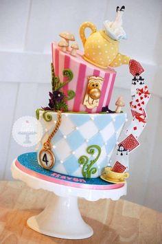 The Royal Bakery - Alice in Wonderland topsy turvy cake Mad Hatter Cake, Mad Hatter Party, Mad Hatter Tea, Mad Hatters, Mad Hatter Birthday Party, Alice In Wonderland Cakes, Alice In Wonderland Birthday, Alice In Wonderland Party Ideas, Tea Party