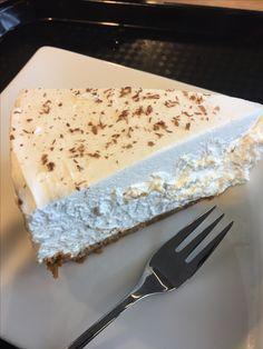 Cake Vanilla Cake, Iceland, October, Desserts, Food, Ice Land, Tailgate Desserts, Deserts, Essen