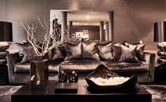 Belgium / Antwerp / Show Room / Living Room / Astor / Avalon / Cravt / Stout Lighting / Eric Kuster / Metropolitan Luxury