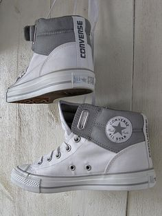 Effortlessly Cool: #Converse Chuck Taylors. Buy your Converse as cheap as in NYC wherever you live: Get delivered with #WorldCraze!