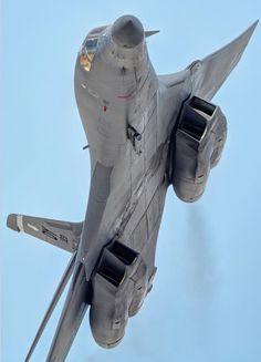 """A Lancer """"Bone"""" from Dyess AFB, Tx turns and burns on a low level manuver Military Jets, Military Aircraft, Air Fighter, Fighter Jets, B1 Bomber, Stealth Bomber, Reactor, Military Equipment, Jet Plane"""