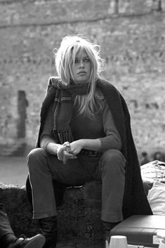 Bardot. The Impossible Cool. It must be terrible to grow old if you looked like this when young. Actually it is terrible to grow old period.