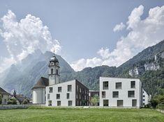 Geviert - Wohnüberbauung in Näfels Mount Everest, Exterior, Mountains, Mansions, House Styles, Building, Modern, Travel, Home
