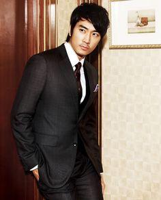 Song Seung Heon.