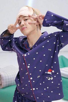 Image in Jimin-Park Jimin collection by BTS on We Heart It Jimin Jungkook, Namjoon, Bts Bangtan Boy, Bts Boys, Seokjin, Taehyung, Park Ji Min, Foto Bts, Bts Photo