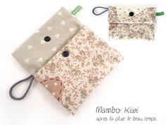 Pochette pour serviette hygiénique/tampon tissu liberty fleurs et coeurs : Etuis, mini sacs par mambo-kiwi