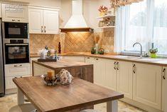 Proiect bucatarie Dumbravita | Kuxa Studio, expert in mobila de bucatarie - 5239 Kitchen Cabinets, Studio, Home Decor, Decoration Home, Room Decor, Kitchen Cupboards, Studios, Interior Design, Home Interiors