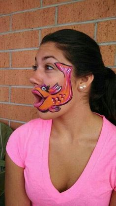 Fishy face paint going to try it Halloween Make Up, Halloween Face, Cool Face Paint, Animal Face Paintings, Cheek Art, Fish Face, Face Painting Designs, Child Face, Fantasy Makeup