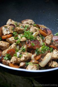 Wok-Style Garlic Chicken & Carrots  #healthyrecipes #dinnerrecipes #chickenrecipes #healthyfood