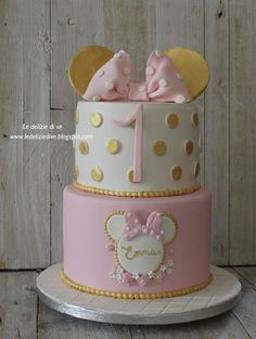 Mini Mouse Birthday Cake, Mini Mouse Cake, 1st Birthday Cake For Girls, Minnie Mouse Theme Party, Minnie Mouse Cookies, Minnie Mouse Birthday Decorations, Minnie Mouse First Birthday, 2nd Birthday, Bolo Minnie
