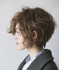 Elegant short hairstyles for curly Wavy Hair //  #Curly #elegant #Hair…