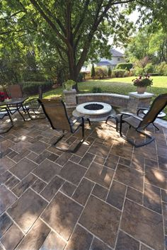 Thornbury Patio with firepit and Pisa2 garden wall