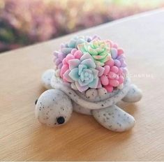 New Pictures Polymer clay crafts food Suggestions Polymer clay turtle seaturtle tortoise kawaii succulents Cute Polymer Clay, Cute Clay, Polymer Clay Charms, Polymer Clay Turtle, Polymer Clay Animals, Polymer Clay Flowers, Polymer Clay Creations, Polymer Clay Mermaid, Polymer Clay Figures