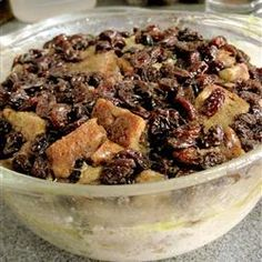 Microwave raisin bread pudding - not diet friendly. but I do so love bread pudding *drool* Microwave Bread, Microwave Recipes, Easy Bread Recipes, Microwave Deserts, Sweet Recipes, Wine Recipes, Dessert Recipes, Cooking Recipes, Desserts