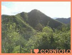 … Lago di #Corniolo … gli alberi ben saldi lungo il pendio delle montagne con la loro chioma verde le rendono più accoglienti, quasi a simulare un soffice approdo ...