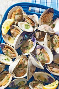 Meaty cherrystone clams are larger than delicate littlenecks, so they stand up to grilling. And because they take longer to cook, they have plenty of time to soak up all that smoky flavor.#salmon #seafood #salmonrecipes #salmondishes Grilling Recipes, Gourmet Recipes, Healthy Recipes, Clam Recipes, Seafood Recipes, Seafood Dishes, Herb Butter, Garlic Butter, Grilled Lobster