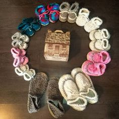 Favourite slippers for the whole family. Made with sheep skin, and sheep wool. So comfy and warm. Urban Style, Sheep Wool, Family Traditions, Types Of Shoes, Urban Fashion, Fashion Beauty, Slippers, Cottage, Canada