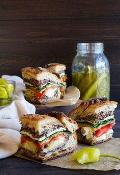 Italian pressed Sandwich in Sandwiches Muffuletta Sandwich, Pressed Sandwich, Veggie Sandwich, Sandwich Recipes, Veggie Wraps, Cake Recipes, Vegetarian Italian, Vegetarian Recipes, Recipes