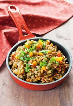 Lentils mixed with carrots, celery and onion. Lentil Recipes, Vegetable Recipes, Diet Recipes, Carrot And Celery Recipes, Lentil Salad, Dash Diet, No Cook Meals, Lentils, Bulgur