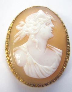 CARVED Gold Filled Beautiful Shell Vintage Estate BROOCH Pin