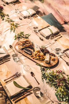 Using a long Australian oak platter, add: Yarra Valley triple cream brie Christmas Lunch, Outdoor Christmas, Outdoor Table Settings, Entertainment Table, Yarra Valley, Australia Day, Christmas Decorations, Table Decorations, House Made