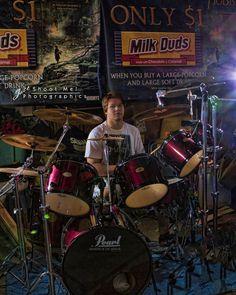Senior boy photography with drums. senior photography senior boy posing ideas