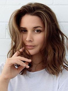 Lob with loose waves