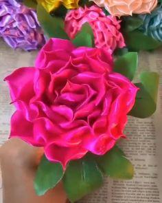 Ribbon Crafts, Flower Crafts, Diy Flowers, Flower Ideas, Purple Flowers, Royal Blue Wedding Decorations, Rose Tutorial, Fabric Roses, Birthday Crafts