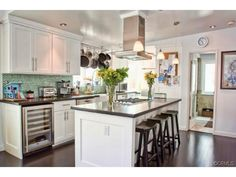 Bright,Clean,and Fresh! How I want the Kitchen to look after the remodel. #SpringRefresh #smirnoffcontestentry