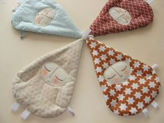 fun cuddle things for chewing babies Sewing Toys, Baby Sewing, Baby Kind, Baby Love, Patchwork Baby, Fabric Toys, Toddler Gifts, Soft Dolls, Baby Crafts