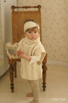 KNITTING PATTERN cable poncho Robyn toddler child por MukiCrafts