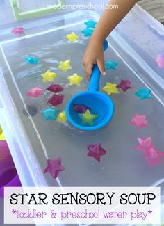 Easy, low prep star themed water play for toddlers & preschoolers from Modern Preschool!