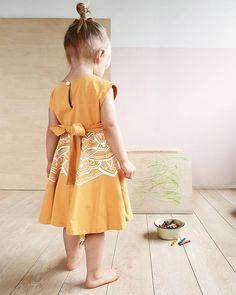 Amalia mekko okrankeltainen iitulina Varanasi, Summer Dresses, Fashion, Moda, Summer Sundresses, Fashion Styles, Fashion Illustrations, Summer Clothing, Summertime Outfits