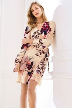 How BEAUT is this wrap dress? We'd wear this to every wedding possible if we could!