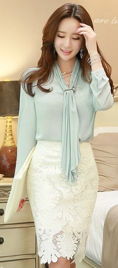 Leaf Embroidery Lace Pencil Skirt Pretty and soft outfit. Skirt Outfits Modest, Dress Skirt, Lace Dress, Dress Up, Lace Skirt, Dress Shoes, Shoes Heels, Spring Dresses Casual, Casual Skirts