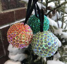 50 Diy Christmas Ornaments, Sequin Ornaments, Button Ornaments, Candy Christmas Decorations, Quilted Ornaments, Christmas Balls, Homemade Christmas, Holiday Crafts, Christmas Ideas