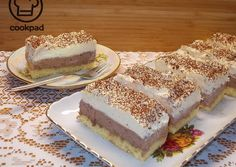 Dupla krémes szelet | Fehér Katica receptje - Cookpad receptek Hungarian Cake, Hungarian Recipes, Hungarian Food, Vanilla Cake, Tiramisu, Cheesecake, Food And Drink, Sweets, Cookies