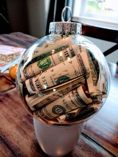 Easy DIY Christmas Ornaments That Look Store Bought - Twins Dish Easy DIY Money Christmas Ornament c Simple Christmas, Christmas Holidays, Christmas Bulbs, Christmas Morning, Family Christmas, Christmas Ornament Crafts, Christmas Crafts, Diy Ornaments, Christmas Ideas