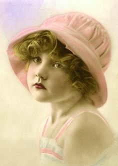 Dollface (and much more sweet pics) Éphémères Vintage, Images Vintage, Vintage Ephemera, Vintage Girls, Vintage Pictures, Vintage Beauty, Old Pictures, Vintage Postcards, Vintage Prints